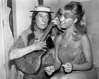 """BUSTER KEATON AND LULU ON """"THE RED SKELTON SHOW"""" - 8X10 PUBLICITY PHOTO (CC222)"""