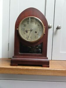 Gustav Becker Silesia P21 Hardwood mantle clock with pendulum window 1909-33
