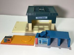 1980's HOT WHEELS REPLACEMENT PARTS FOR BUILDINGS MATTEL TOYS Police Station Etc
