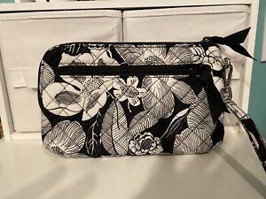 Vera Bradley RFID Wristlet - BEDFORD BLOOMS - Black & White Floral  NWT $40 MSRP