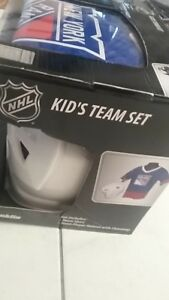 NHL New York Rangers Hockey set new in box Team Set play Helmet & Jersey age 5-9