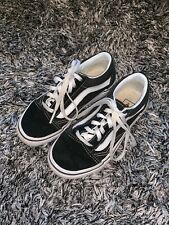 USED CONDITION - VANS JUNIOR BLACK & WHITE TRAINERS UK 12 EUR 30