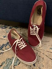 VANS BURGUNDY and WHITE Skateboarding Shoes Size 9.5 MEN 11 WOMEN - Very Nice!