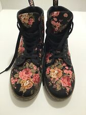 Doc Martens Shoreditch Floral Boot Size 8 AIRWAIR Black High Top EUC