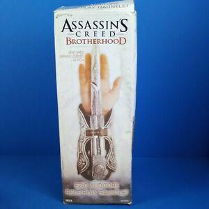 Assassin's Creed Brotherhood Ezio Auditore Gauntlet/Hidden Blade Cosplay NECA
