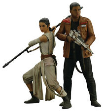 Star Wars The Force Awakens 7 Inch Statue Figure ArtFX+ - Rey & Finn
