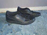 Puma Smash V2 Black Leather Unisex  Trainers Size 5.5 UK