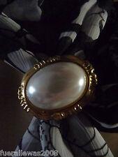 Tuchhalter Brosche Scarf goldfarben ovaler Stein filigane Einfassung + Federzug