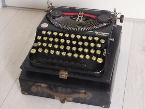 Machine à écrire - Remington portable (avec valise et brossette d'époque)