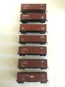 HO SCALE ACCURAIL - SEVEN BUILT 40' BOXCARS - PLEASE READ DESCRIPTION