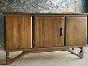 Mid Century Walnut Credenza Sideboard Pearsall Style Base Console Cabinet