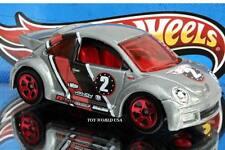 2005 Hot Wheels #142 Volkswagen New Beetle Cup grey w/5 spoke wheels