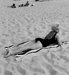 VTG 1950s MEDIUM FORMAT NEGATIVE beach scene blonde girl black bathing suit b12