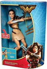 Mattel DC Comics Wonder Woman Bow-brandissant Fashion Doll #FDF38