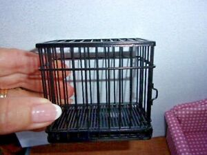 DOG KENNEL / CAGE   - METAL -  DOLL HOUSE MINIATURE