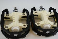 VP 777 1/2'' pedal set old school bmx chrome axle black/white plastic body NOS
