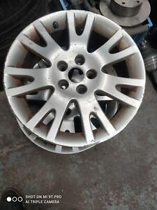 Renault alloy wheel 17 inch 5 stud