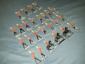 LOT OF 25 VINTAGE LEAD MARCHING BAND FIGURES! LOOK! FREE SHIPPING!