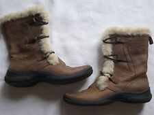 WOMENS CLARKS BROWN LEATHER BOOTS WITH FAUX FUR TRIM, INSIDE ZIPPER SIZE 6
