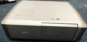 SANYO PLV-Z4  Multimedia Home Theater Projector