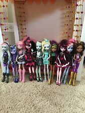 Lot of 10 Monster High Dolls,Clothes and Shoes, Accessories (#18)