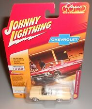 Johnny Lightning Classic Gold 1965 Chevy Impala Convertible Yellow 2018 NEW