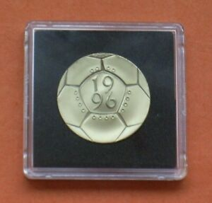 1996 PROOF £2 TWO POUND COIN FOOTBALL FROM A ROYAL MINT PROOF SET. FREE CAPSULE.