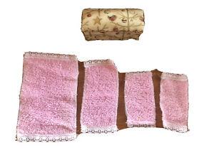 Set of Dolls House Furniture - Ottoman / Blanket Box - Pink Fluffy Towels