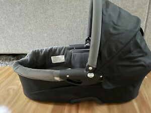 Quinny Dreami bassinet (as Good As New)