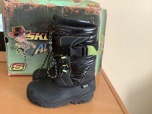 Skechers Water Resistant Black / Green Snow Boots Boys Sz 12 Faux Fur Lining SKX