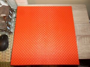 LOT OF 4 UNBRANDED ORANGE PLASTIC VINYL WOVEN PLACEMATS 14x14 NEW FALL