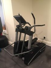 True Fitness TSX Elliptical - Excellent Condition