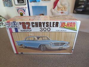 JOHAN CHRYSLER 300 -1962 HARDTOP # 314162 model KIT 1/25 SCALE SEALED