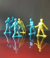 """5 Vintage 1963 Soldiers Green & Blue Resin 4.5"""" Soldier Collectibles ~Excellent!"""