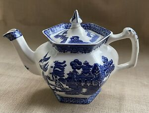 Willow Woods Ware Wood And Sons England Four Cup Teapot