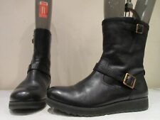 CLARKS BLACK LEATHER PULL ON BIKER STYLE WEDGE BOOTS UK 7 D (3454)