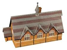 Bachmann 44-161 - Pendon Snell's Hall Model OO Gauge Tracked 48 Post