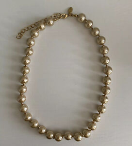 Kenneth Jay Lane KJL Hand Knotted Pink Pearl Necklace Gold Tone