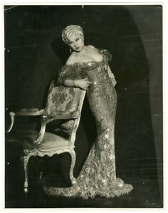 MAE WEST SHE DONE HIM WRONG 1933 LOVELY OVERSIZE DBLWT PHOTOGRAPH HER COLLECTION