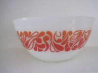 "VINTAGE RETRO PYREX ORANGE RED 8"" PAISLEY MIXING BOWL"