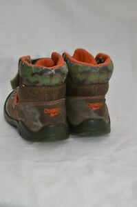Boy's OshKosh toddler camo boots size 8 children
