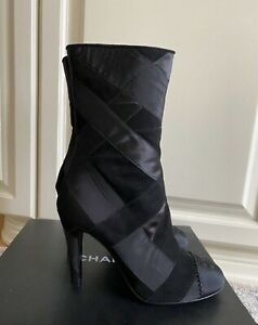 NEW Authentic Chanel Black Suede Leather Grosgrain CC Logo Boots EU 38,5 US 8,5