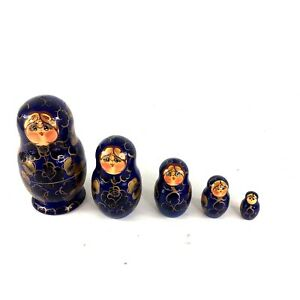 VTG RUSSIAN  WOODEN HAND  CARVED  &PAINTED 5 PC NESTING DOLL, GIRLS
