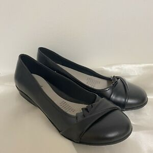 Grosby Evie Black Closed Toe Womens Work Casual Shoes Ladies Flats Size 9