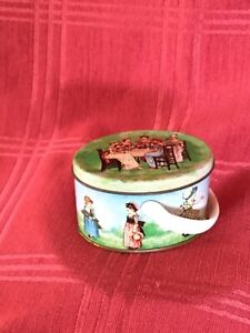 1960s Shackman Dolls Teaset Container