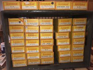 40 Vintage Accurail Yellow Box Hoppers Great Lot Very Nice!!!!