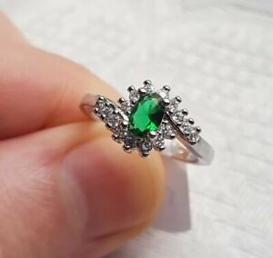 Womans Size R. Emerald & White Topaz 925 Silver Ring