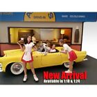 Set of 2 Carhop Waitress - 1/18 scale figure/figurine - AMERICAN DIORAMA