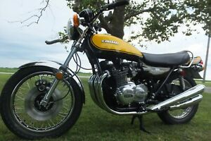 Kawasaki 900 Z1 of 1973 - Bodywork New Green/Yellow - Made in Japan