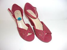 Women's SBICCA Red Wedge Heels SIZE 10 (NEW)